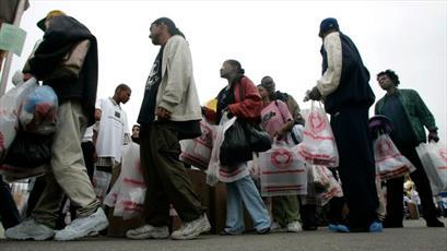 ارائه کمکهای مردمی مسلمانان لس آنجلس به بی خانمانها