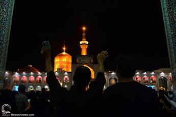 تصاویر/حرم رضوی در آخرین شب قدر