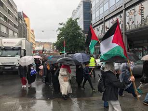 تصاویر/ راهپیمایی روز قدس در هوای بارانی نروژ