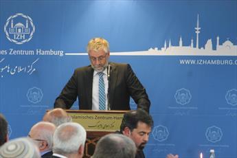 ضیافت شام مسلمانان و غیرمسلمانان در مرکز اسلامی هامبورگ برگزار شد + تصاویر