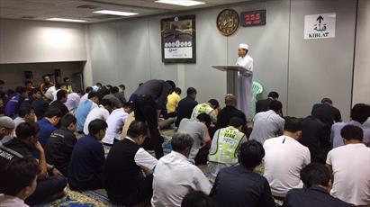 برگزاری نماز جمعه در یک فرودگاه تایلند +عکس