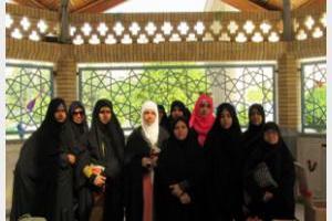 بازدید جمعی از معلمان پاکستان از جامعهالزهرا(س)