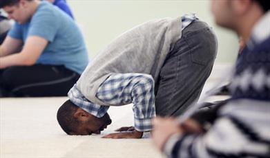 روایتی از دینداری ۱۶ کارگر آمریکایی در ماه رمضان