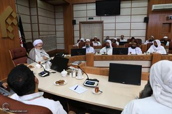 رویکرد جامعة المصطفی پرهیز از نزاع های مذهبی است