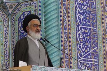 سپاه پاسداران انقلاب اسلامی خار چشم مستکبران است/ رئیس جمهور آمریکا روان پریش است