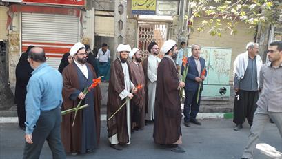 استقبال روحانیون و مردم از کاروان نور+عکس