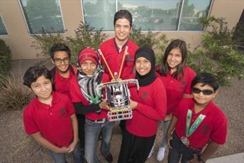 تیم دانش آموزان مسلمان آمریکایی برنده جایزه رقابتهای رباتیک شد