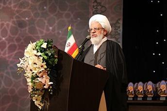 انتقاد از بی توجهی به اعیاد ائمه(ع) در حسینیه ایران/ تلاش دست های پشت پرده برای ترویج بی حجابی و ارتباطات نامشروع در شهرهای مذهبی