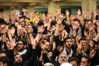 نماهنگ/ مراسم عزاداری شب تاسوعا در حضور رهبرانقلاب