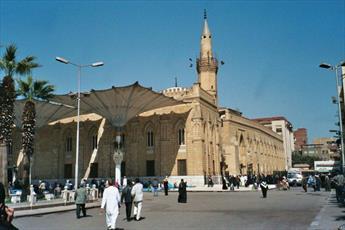 مقامات مصري مسجد الحسين قاهره را بستند