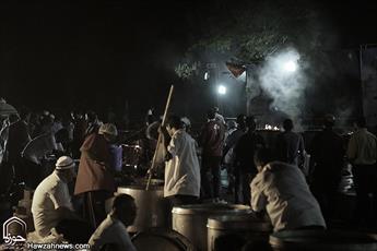 طبخ و توزیع یک هزار پرس غذای گرم میان شهروندان آسیبدیده اهوازی