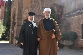 دیدار مبلغ حوزوی با شخصیتهای دینی اسپانیا +تصاویر