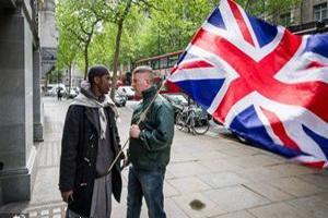 مردان انگلیسی با ظاهر «شبیه به مسلمانان» از اسلامهراسی رنج میبرند