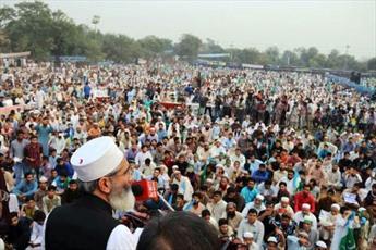 پاکستان   با نام اسلام تشکیل شد اما در حال حاضر  فئودالها و سرمایهداران حاکم هستند