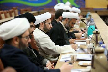 مباحث فقه حکومتی در فضایی مومنانه، و همدلانه و جدی بحث شود