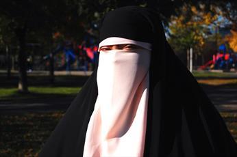مسلمانان کانادا از قانون منع پوشیه به دادگاه شکایت کردند