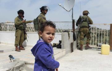 نظامیان صهیونیستی به مدارس فلسطینی  در الخلیل حمله کردند