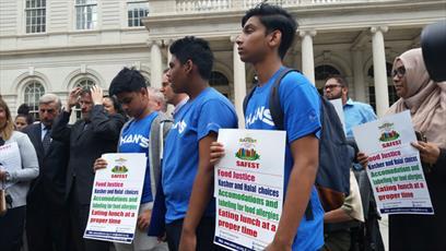 نماینده آمریکایی خواستار ارائه غذای حلال در مدارس نیویورک شد