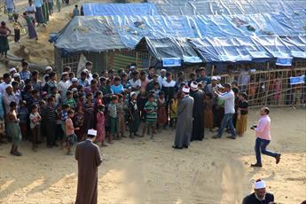 گروهی از مبلغان الازهر از اردوگاه آوارگان میانمار بازدید کردند+ تصاویر