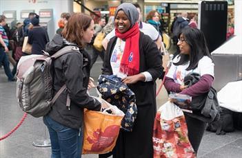 سازمان خیریه اسلامی در انگلیس، به جنگ سرما میرود