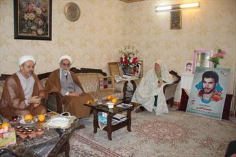 دیدار مدیر حوزه قزوین با خانواده شهیدی که پیکرش پس از ۳۱ سال به کشور بازگشت
