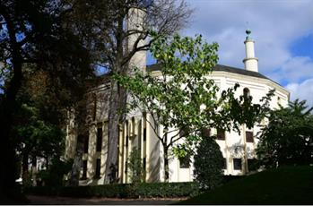 دادگاه بلژیکی مانع از اجرای لغو تابعیت امام مسجد بروکسل شد