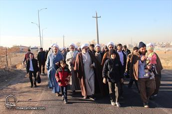 تصاویر/ همایش پیاده روی خانوادهای طلاب و روحانیون قزوین