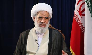 آینده انقلاب اسلامی با وجود همه مشکلات  بسیار روشن و امیدبخش است