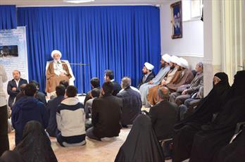 بستن مساجد به روی نمازگزاران مصداق بارز منکر است