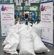 مسلمانان انگلیس بیش از ۲۳ هزار کُت برای نیازمندان جمع آوری کردند
