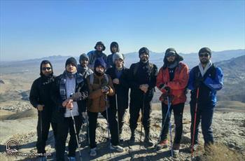 تصاویر/ کوهنوردی طلاب بسیجی مدرسه علمیه حقانی قم