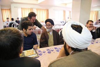 حضور سرزده امام جمعه تبریز در بین دانشجویان+ عکس