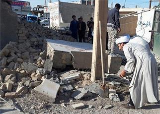حضور روحانیون در زمان های حساس مایه دلگرمی  آسیب دیدگان است/مصاحبه یک طلبه در مناطق زلزله زده  توطئه ها را خاموش کرد