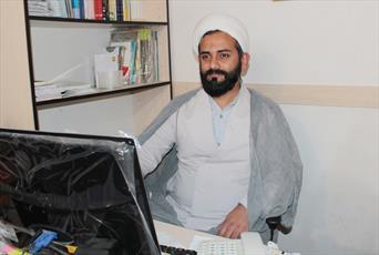 انس با قرآن انسان را در برابر ناملایمات زندگی بیمه می کند