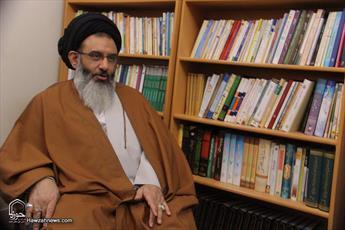 خداحافظی روحانیون درس خارج نماینده رهبر انقلاب در سوریه با ایشان
