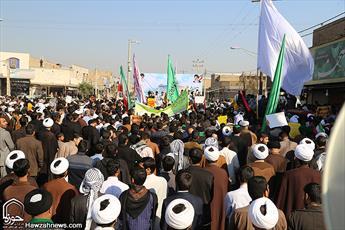 تصاویر/ راهپیمایی اعتراض آمیز روحانیون و عشایر اهواز در محکومیت اقدام ترامپ