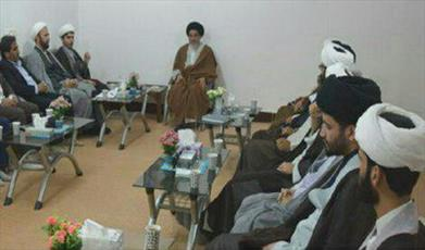 آموزش و پرورش برای حضور گسترده تر روحانیون در مدارس برنامه ریزی کند