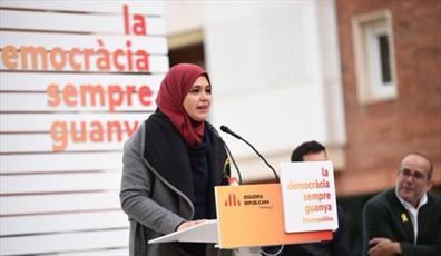 بانوی مسلمان به عنوان نخستین نماینده محجبه پارلمان کاتالونیا انتخاب شد