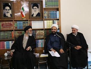 دیدار مدیران مراکز خدمات حوزه های علمیه غرب کشور با نماینده ولی فقیه درآذربایجان شرقی