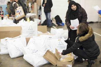 کمکرسانی زمستانی مسلمانان لندن برای بیخانمانهای آتش سوزی