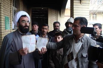 اقدام اغتشاشگران در به آتش کشیدن قرآن ها و کتاب ها در  حوزه  تاکستان شرم آور است