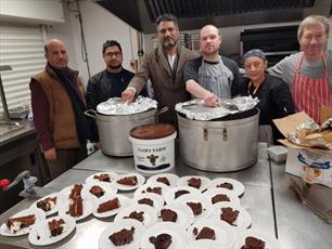 مسلمانان ووستر  انگلیس برای کمک به بی خانمان ها دست به کار شدند