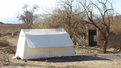 کُندی تحویل کانکس و دیگر کمکها به زلزله زدگان  مشکل ساز شده است