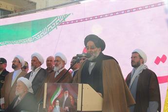 مردم از گرانی و حقوق های نجومی ناراحتند/ آمریکا از بصیرت ملت ایران شکست خورد