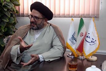 حوزه علمیه محور انقلاب اسلامی است و زیر چتر جناح خاصی نخواهد رفت