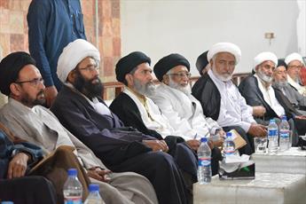 مشکلات زائران پاکستانی و توسعه مدارس دینی خواهران بررسی شد