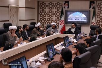 حوزه و انقلاب باید در تصمیمات جهانی دخیل باشند/ امید کشورهای اسلامی به حوزه های علمیه شیعی است
