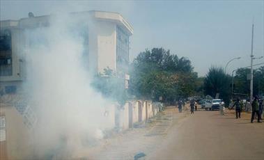 حمله پلیس نیجریه به تظاهرات حمایت از شیخ زکزاکی +تصاویر