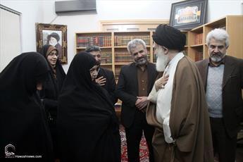 تصاویر/ دیدار خانواده شهید حججی با آیت الله علوی بروجرودی