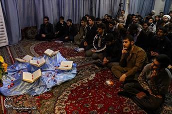 تصاویر/ محفل انس با قرآن کریم در مدرسه علمیه حقانی